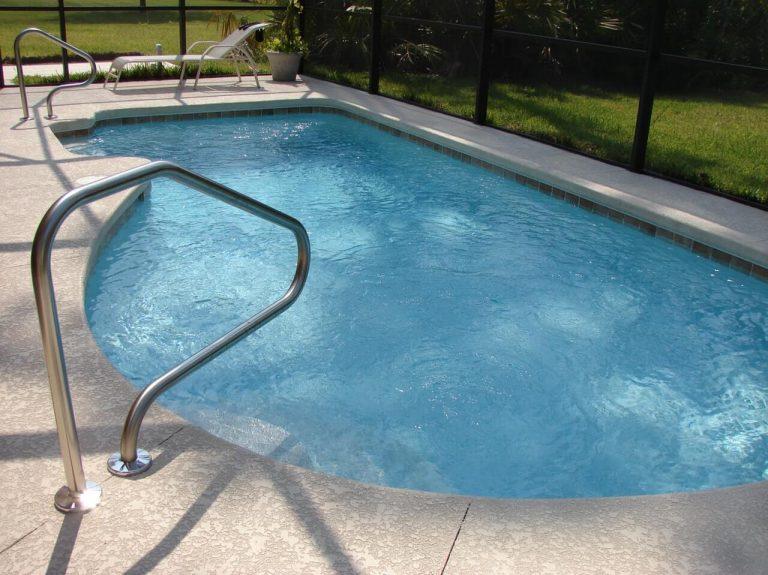 mantenimiento piscinas particulares verano madrid