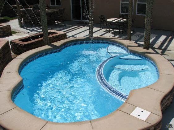 piscinas de fibra de vidrio y poliéster